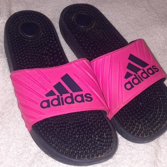 Le adidas donne dimensioni 7 slipon sandali poshmark